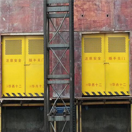 升降机防护门3