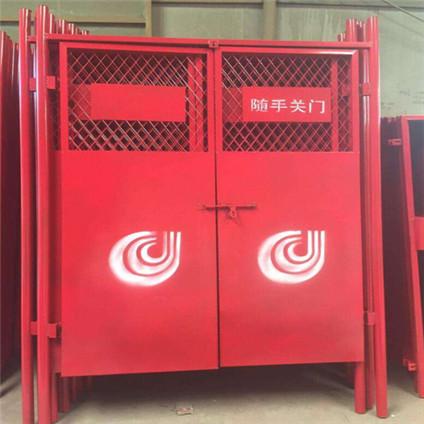 电梯安全门1